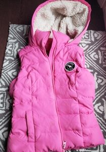Abercrombie hooded puffer vest girls Medium
